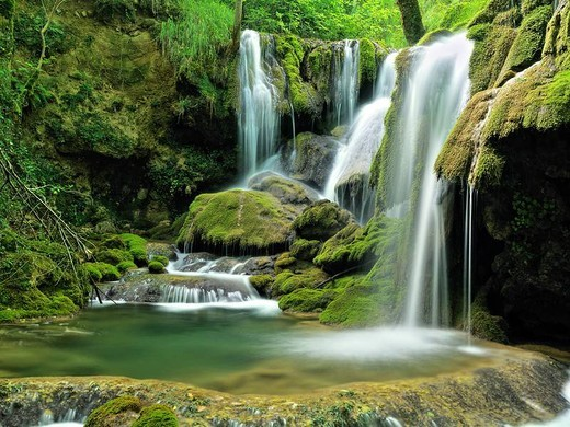 Waterfall, Andoin, Araba, Basque Country, Spain : Stock Photo