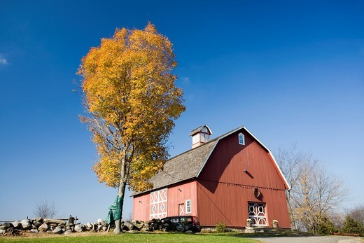 Old Barn of Ambler Farm, Wilton, CT, USA : Stock Photo