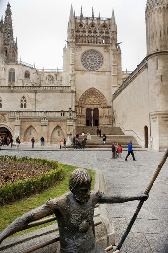 Stock Photo: 1566-944277 Pilgrim Monument next to the cathedral of Burgos. Castilla y León. Spain. Europe.