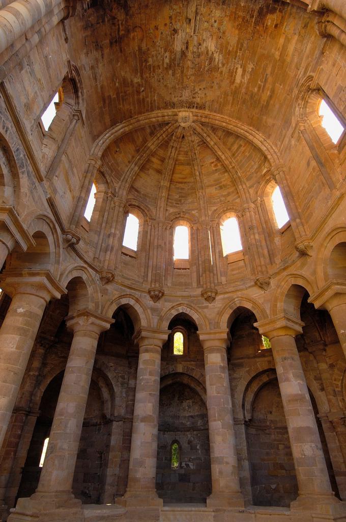 Stock Photo: 1566-945418 Ruins of Santa Maria de Moreruela Cistercian monastery (12th century), Granja de Moreruela, Zamora province, Castilla-Leon, Spain