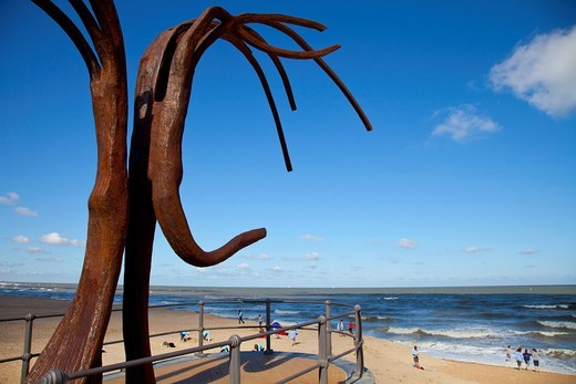 Stock Photo: 1566-945724 The ´Dansende Golven´ sculpture Dancing Waves´ by Patrick Steenon the main promenade of the beach in Ostend, Belgium