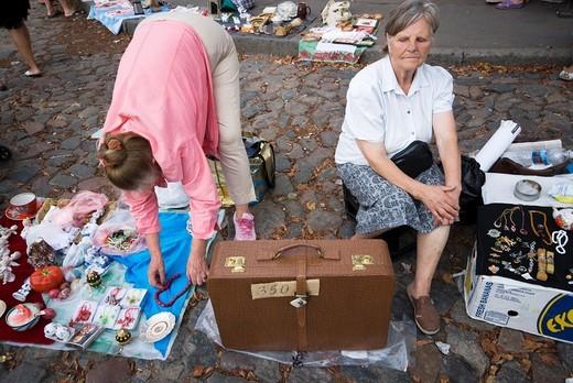 Ukraine, Kiev, Saint Andrew´s street, market. : Stock Photo