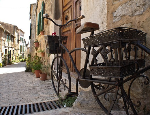 Stock Photo: 1566-947827 Street of Valldemossa, Mallorca, Spain.
