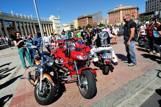 Stock Photo: 1566-952594 Harley Davidson motorcycles concentration. Barcelona. Catalonia. Spain.
