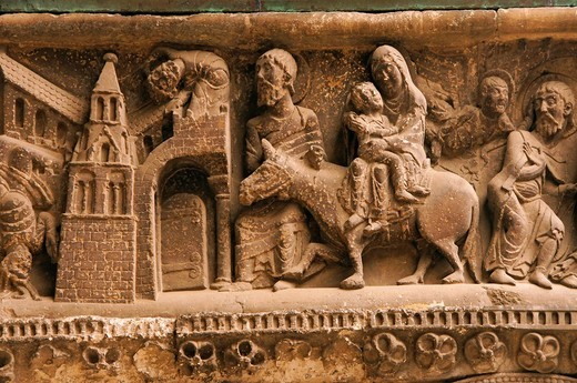 Stock Photo: 1566-955180 France-Midi Pyrénées-Tarnet Garonne- Pilgrimage way to Santiago de Compostela  Tympan of the Abbey of Saint Pierre at Moissac  Detail of a motiv of the departure of Joseph Mary and Jesus to Egypt