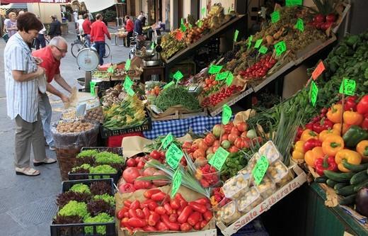 Stock Photo: 1566-956169 Italy, Tuscany, Pistoia, market,