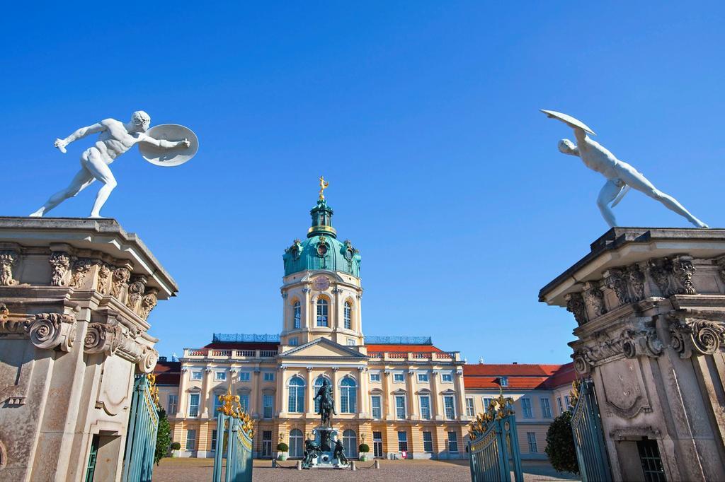 Stock Photo: 1566-956934 Charlottenburg Palace, Berlin, Germany.