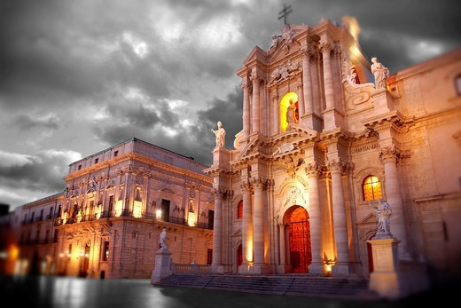 The Baroque Duomo cathedral , Syracuse  Siracusa , Sicily : Stock Photo
