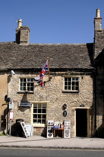 Bygones memorabilia shop Burford Oxfordshire : Stock Photo
