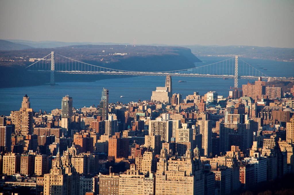 Stock Photo: 1566-959792 USA, New York City , West Side Manhattan, Hudson river and Washington Bridge