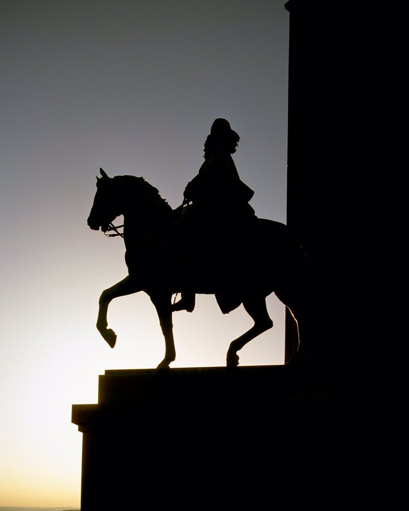 Stock Photo: 1566-960183 D-Dortmund, Ruhr area, Westphalia, North Rhine-Westphalia, NRW, D-Dortmund-Syburg, Kaiser Wilhelm monument by Adolf von Donndorf, William I, German Emperor, King of Prussia, equestrian statue, backlight, silhouette