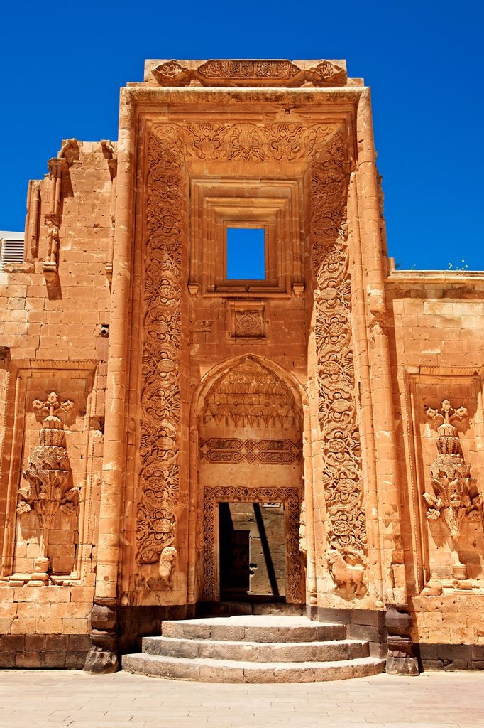 Entrance to the 18th Century Ottoman architecture of the Ishak Pasha Palace Turkish: Ishak Pasa Sarayi, Agri province of eastern Turkey. : Stock Photo