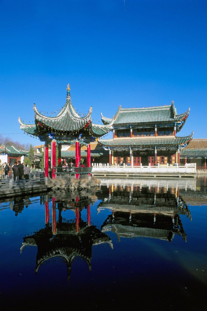 Stock Photo: 1566-960940 China, Yunnan Province, Kunming, Green Lake Park