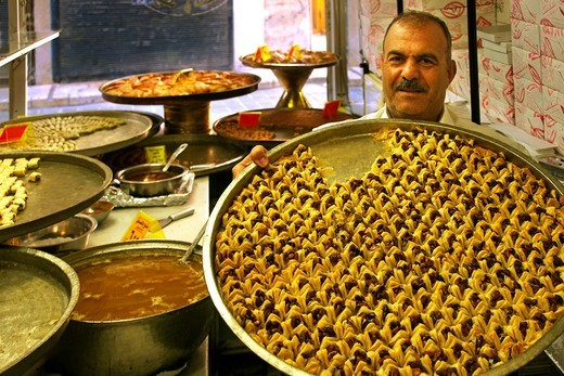 Syria, Aleppo, sweet pastry at ´Al Shbaa´ shop, in the christian area of Jdeidé : Stock Photo