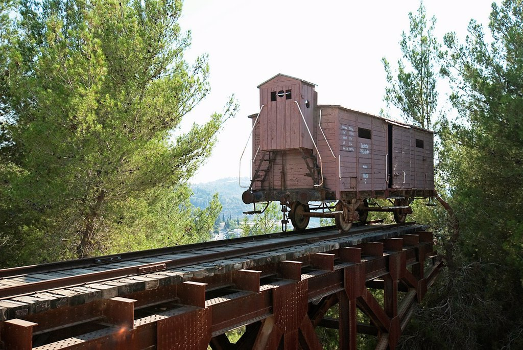 Stock Photo: 1566-967414 Israel, Jerusalem Yad Vashem, the memorial to the Six Million Jews murdered during the holocaust in world war two  It is also a research and documentation center  Train Cart used to transport Jews to trhe camps