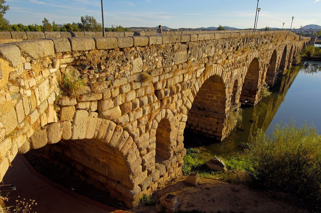Stock Photo: 1566-968028 Merida, Roman Bridge, Guadiana river, Badajoz province, Extremadura, Ruta de la Plata, Spain,