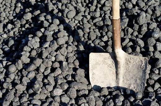 Bituminous coal, also called Carbon, a type of coal used by energy industry : Stock Photo