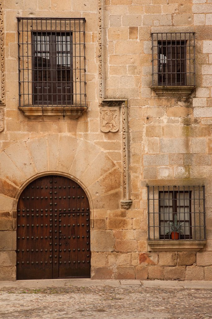 Spain, Extremadura Region, Caceres Province, Caceres, Ciudad Monumental, Old Town, doorway : Stock Photo