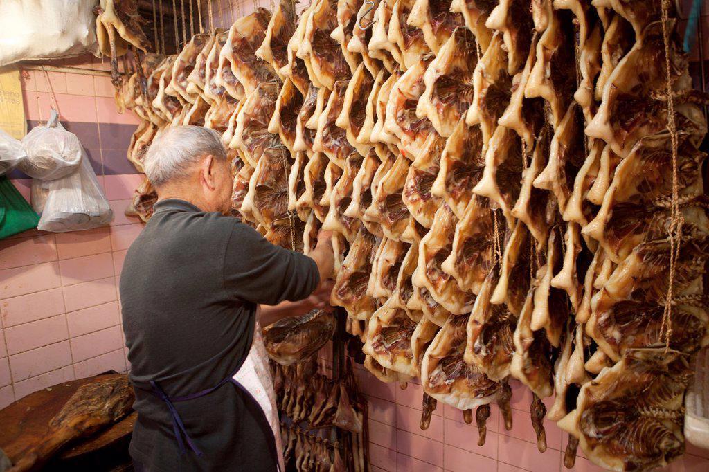 Stock Photo: 1566-969784 meat market in Hongkong, China