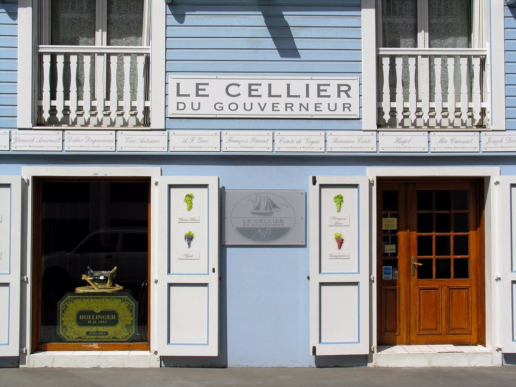 Leading brand wine and liquor store Le Cellier du Gouverneur Gustavia St Barts : Stock Photo