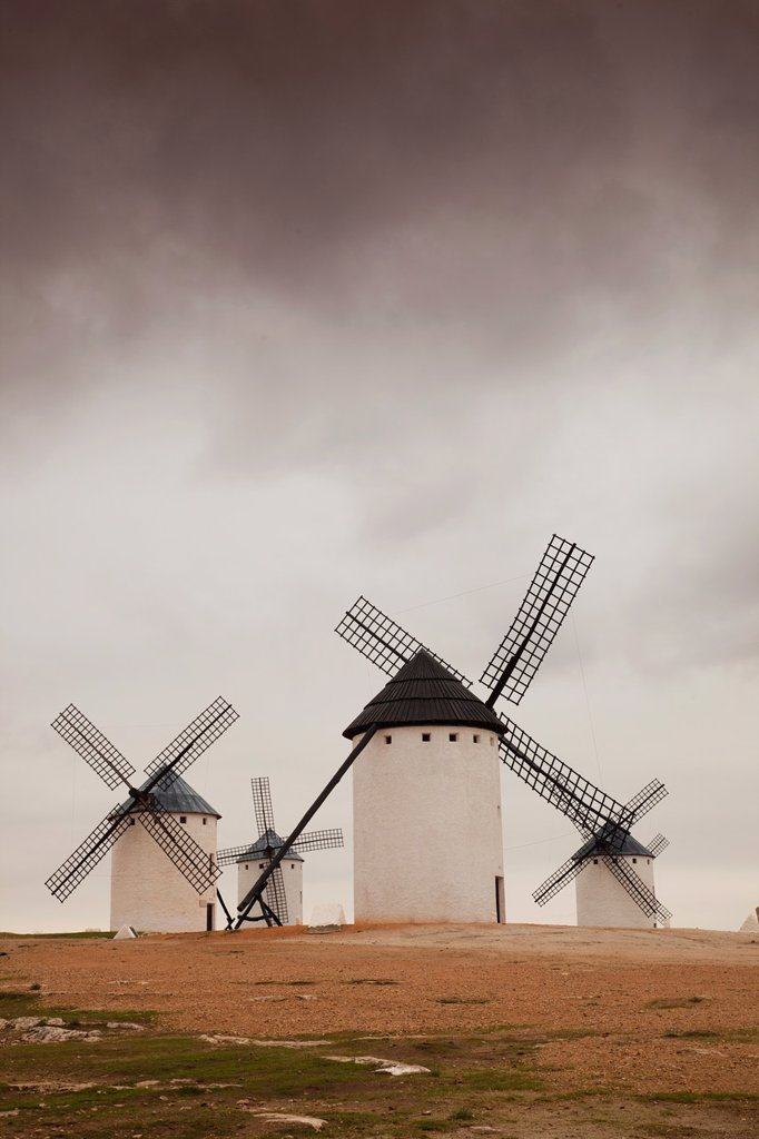 Stock Photo: 1566-972736 Spain, Castile-La Mancha Region, Ciudad Real Province, La Mancha Area, Campo de Criptana, antique La Mancha windmills