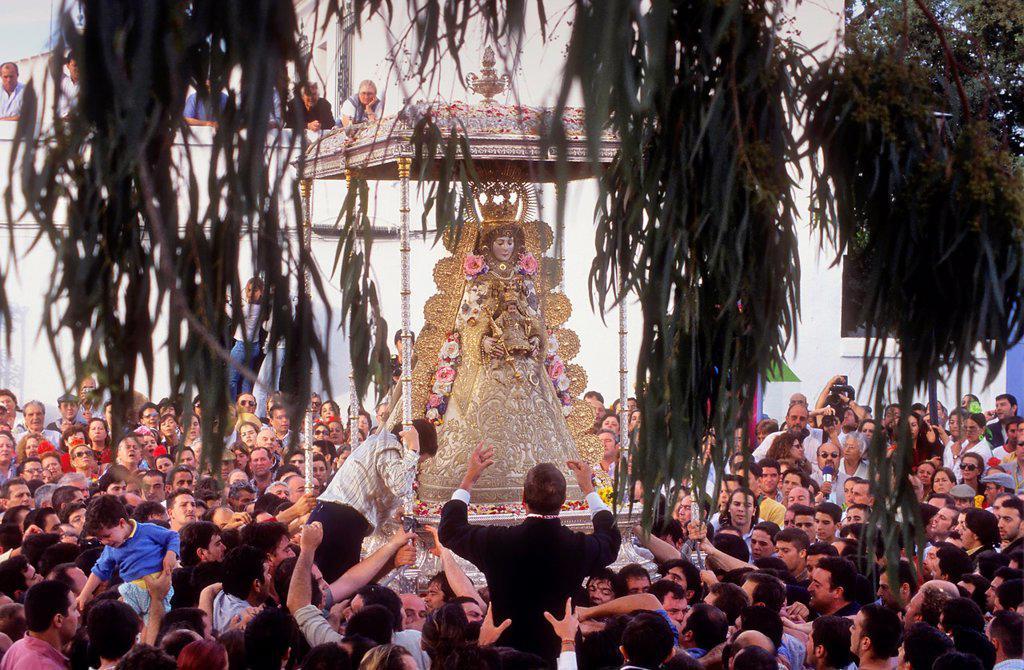 Romería, pilgrimage, at El Rocío, Blanca Paloma, virgin procession, Almonte, Huelva province, Spain : Stock Photo