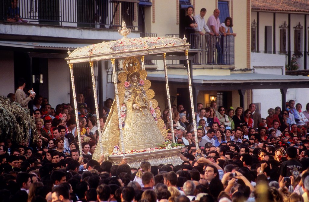 Romería, pilgrimage, at El Rocío, Blanca Paloma, virgin procession, Almonte, Huelva province, Spain : Stock Photo