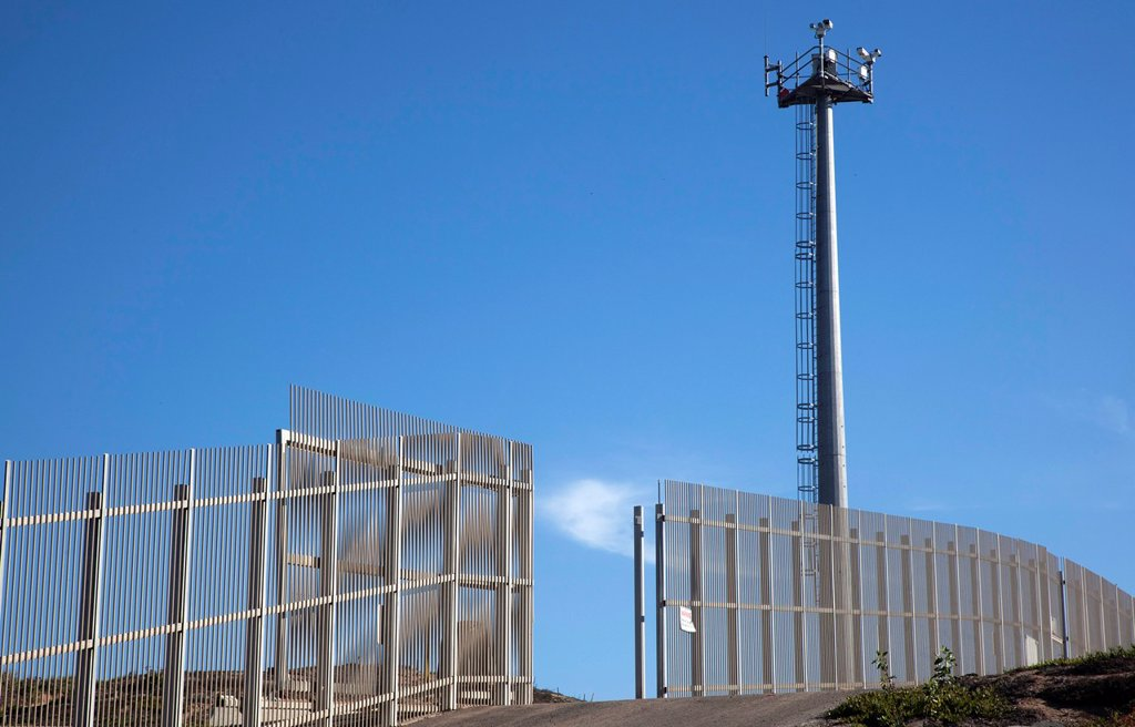 San Ysidro, California - A U S  Border Patrol surveillance tower at the international border between the United States and Mexico : Stock Photo