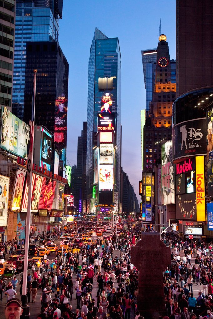 Stock Photo: 1566-974195 Times Square at dusk, Manhattan, New York City, USA
