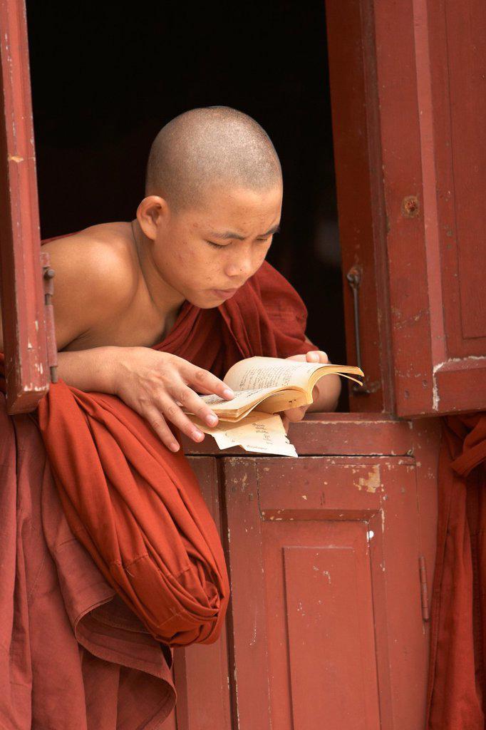 Stock Photo: 1566-975473 Monastery Mahagandayon, Amarapura, Division of Mandalay, Myanmar, Burma, Asia
