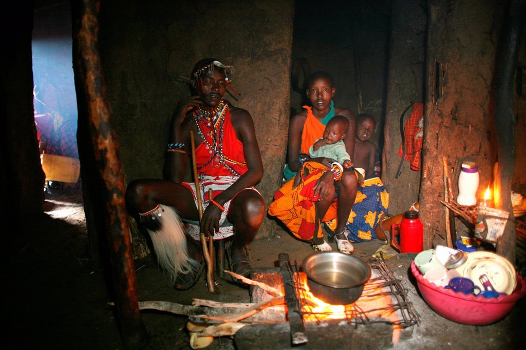 Ngoiroro is a village of 200 inhabitants, all belonging to the Massai Tribe The village lays right in the rift valley, south of Nairobi against the tanzanian border The Massai are living in small huts made of cow dung and mudwalls There is no ventilation : Stock Photo