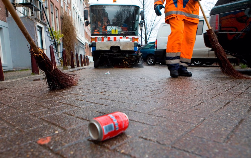 Stock Photo: 1566-979332 Street cleaners at work in Amsterdam