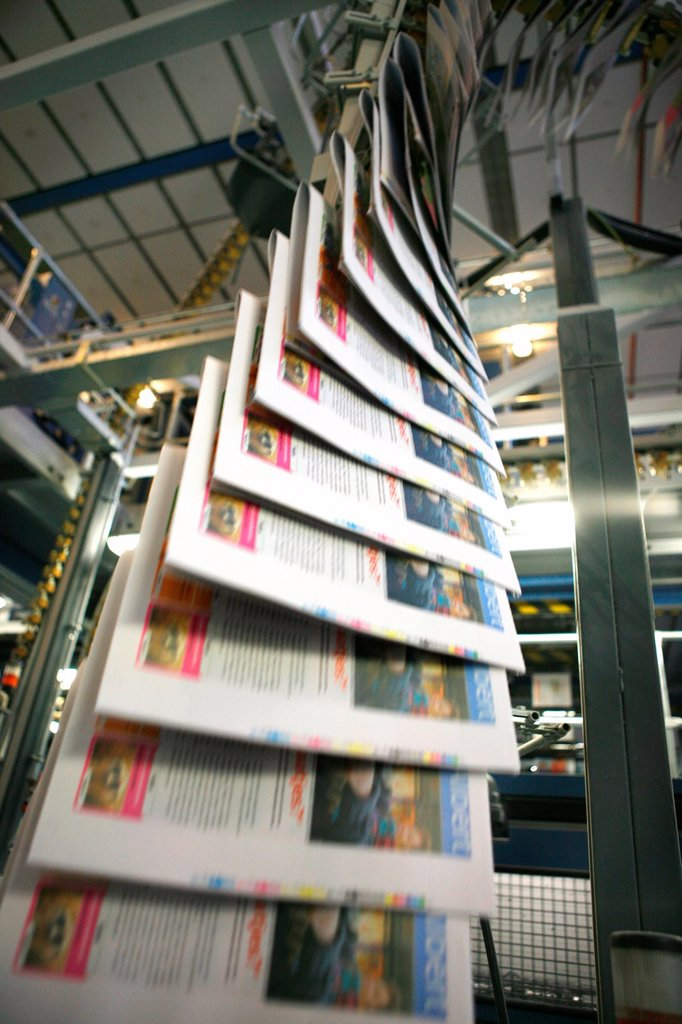 Stock Photo: 1566-979353 Dijkman Offset printing This company prints the financieel dagblad Dutch financial times , kidsweek and other media