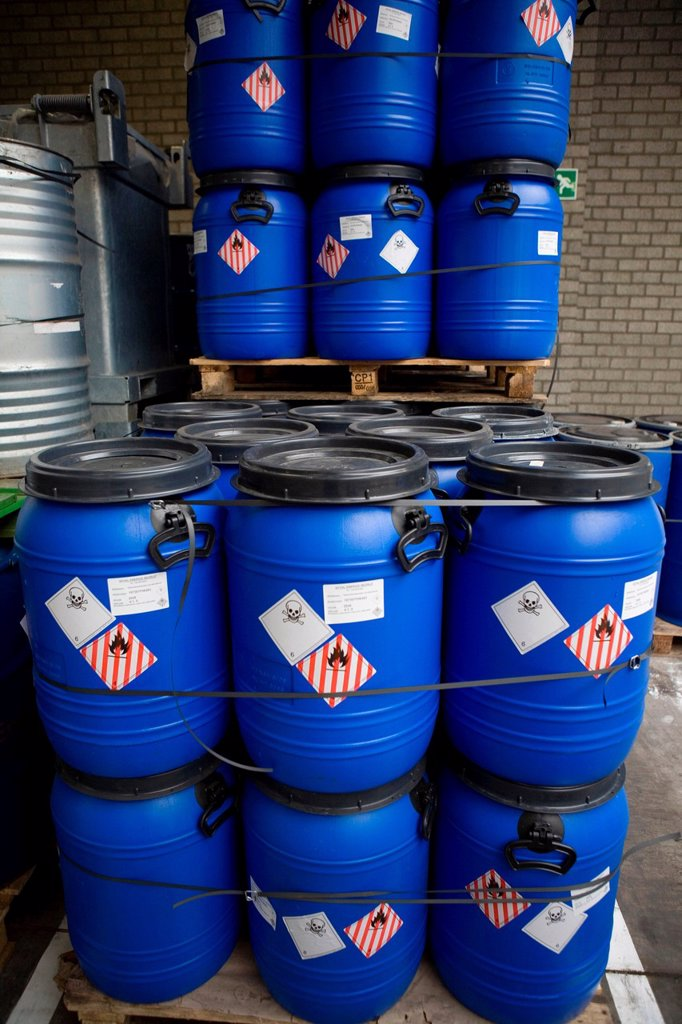 Recycling of toxic waste All municipalities in The Netherlands are required to provide known collection points for recyclable and/or hazardous materials All types of separated trash can be accepted here for free or a small sum depending on type of materia : Stock Photo