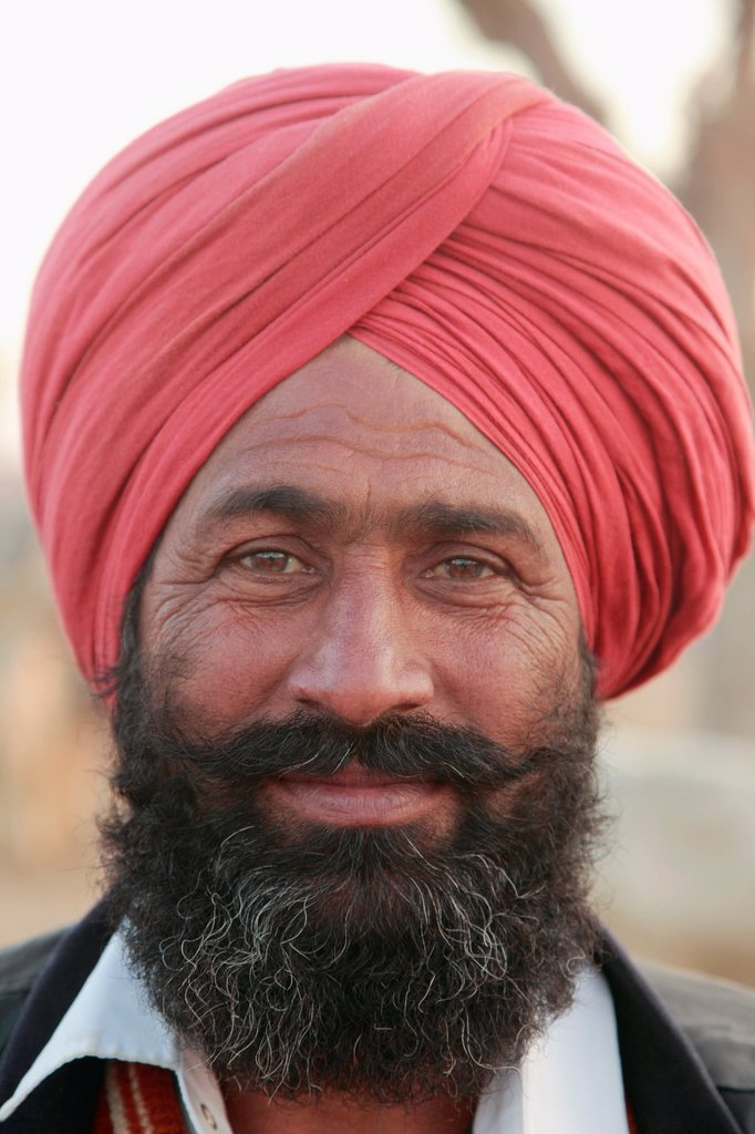 Stock Photo: 1566-981175 India, Rajasthan, Nagaur, Fair, man, portrait,