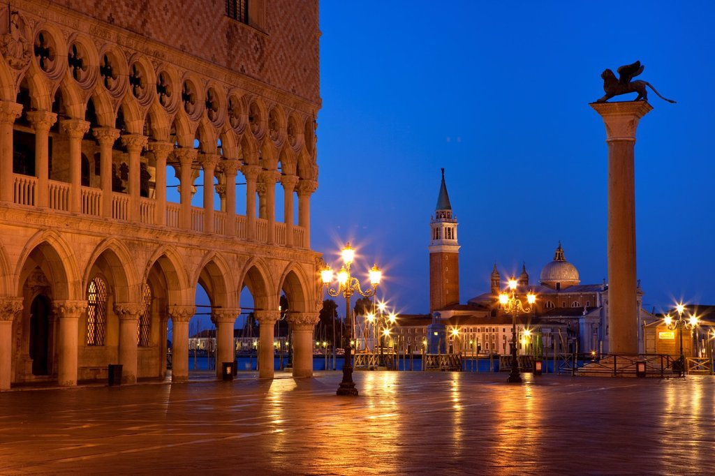 Stock Photo: 1566-981758 Dawn at the Ducal Palace near Piazza San Marco with San Giorgio Maggiore beyond, Venice Veneto Italy