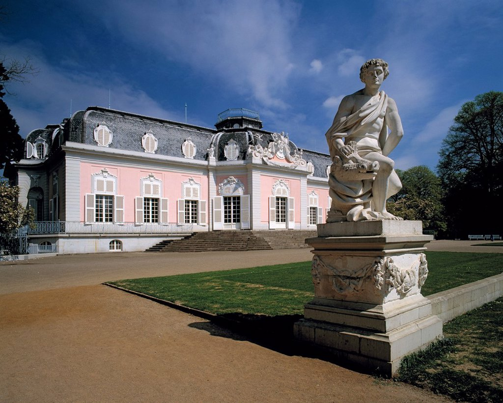Stock Photo: 1566-983488 D-Duesseldorf, Rhine, Rhineland, North Rhine-Westphalia, NRW, D-Duesseldorf-Benrath, castle Benrath, Late baroque, castle gardens, statue, sculpture
