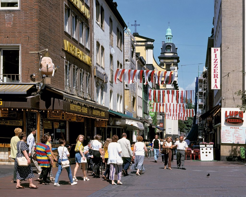 Stock Photo: 1566-983499 D-Duesseldorf, Rhine, Rhineland, North Rhine-Westphalia, NRW, old town, pedestrian zone, alleyway, people, tourists, behind the Andreas church, monastery church, Dominican order