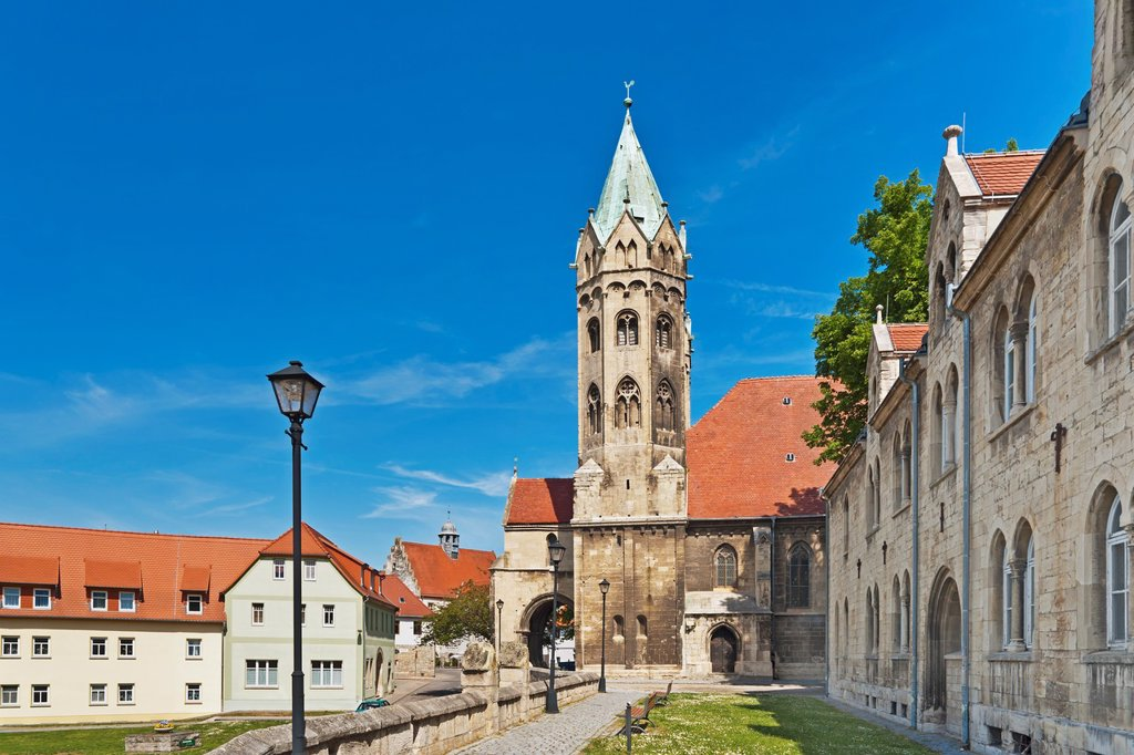 Stock Photo: 1566-984030 The St Mary´s Church is a late Romanesque three-aisled basilica dating back to 1225 and recalls in its construction of the Naumburg Cathedral Freyburg Unstrut, Saxony Anhalt, Germany, Europe