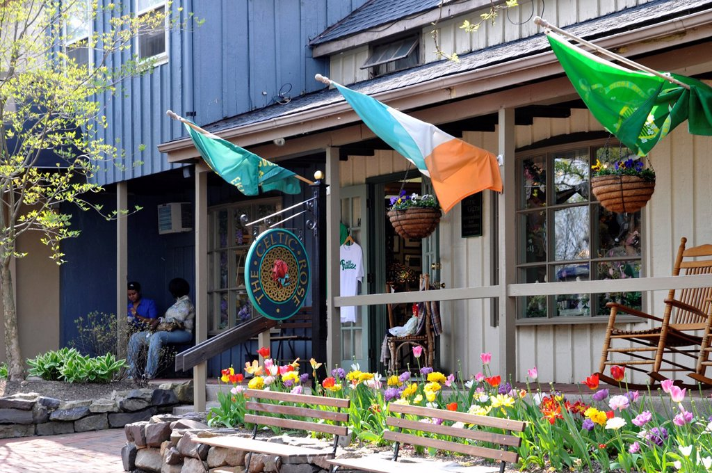 The Celtic rose store, Peddler´s Village, Lahaska, Bucks County, PA, USA : Stock Photo