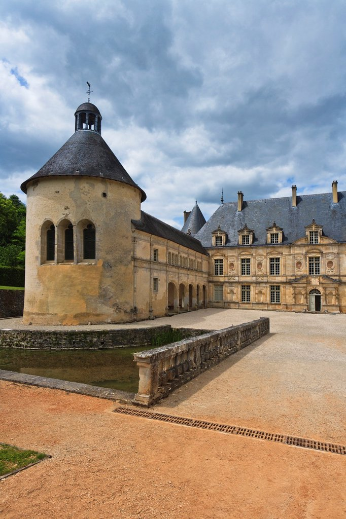 Stock Photo: 1566-984284 The picturesque castle of Bussy-Rabutin, Burgundy, France, Europe