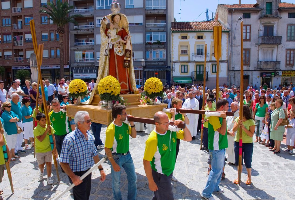 Stock Photo: 1566-984859 procession in Virgen del Carmen day or Carmen virgin 16-July  Colindres, Cantabria, Spain