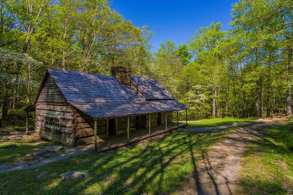 "Noah ""Bud"" Ogle homestead and farm on the Roaring Fork Motor Nature Trail in the Great Smoky Mountains National Park in Tennessee : Stock Photo"