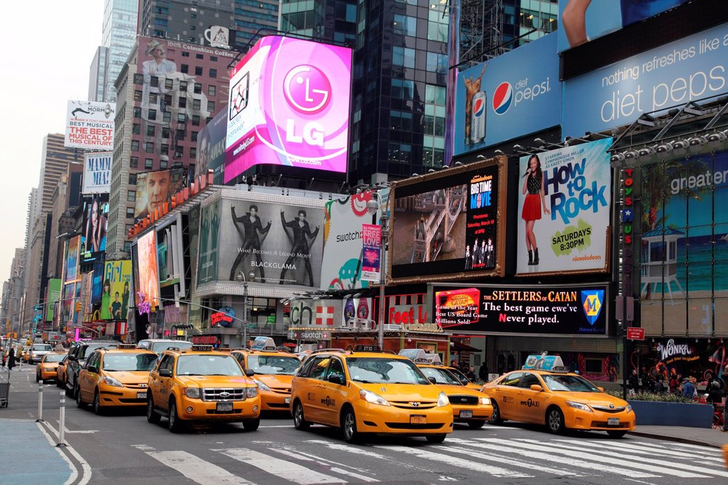 Stock Photo: 1566-986510 Towers Times Square New York NY United States of America