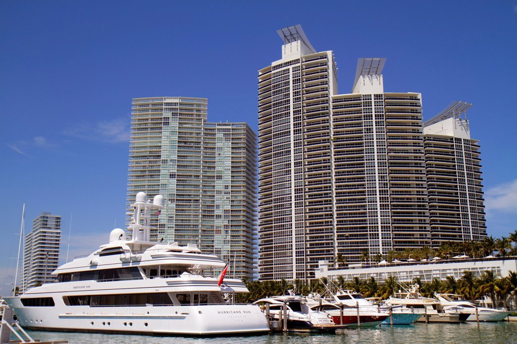 Florida, Miami Beach, Biscayne Bay, Miami Beach Marina, high-rise waterfront condominium, buildings, ICON, Murano Grande, boats, slips, yachts, : Stock Photo