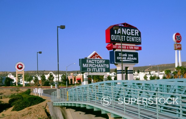Stock Photo: 1566-988338 Tanger factory outlet shopping center, Barstow, California, USA
