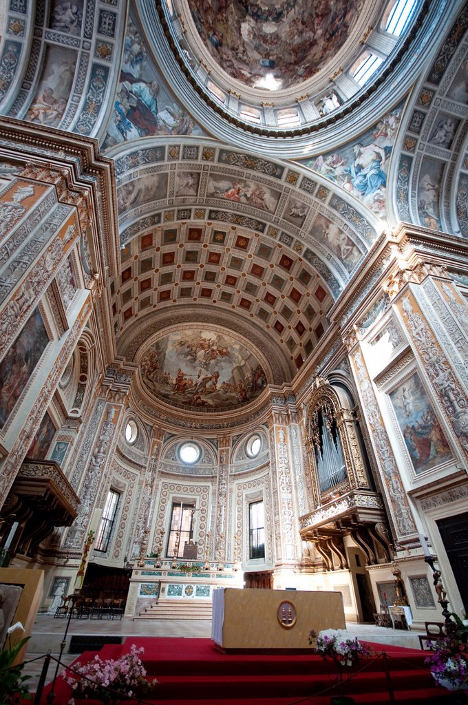 Stock Photo: 1566-991429 Italy, Lombardy, Mantua, Chiesa di Sant´ Andrea Church, Interior View, Altar