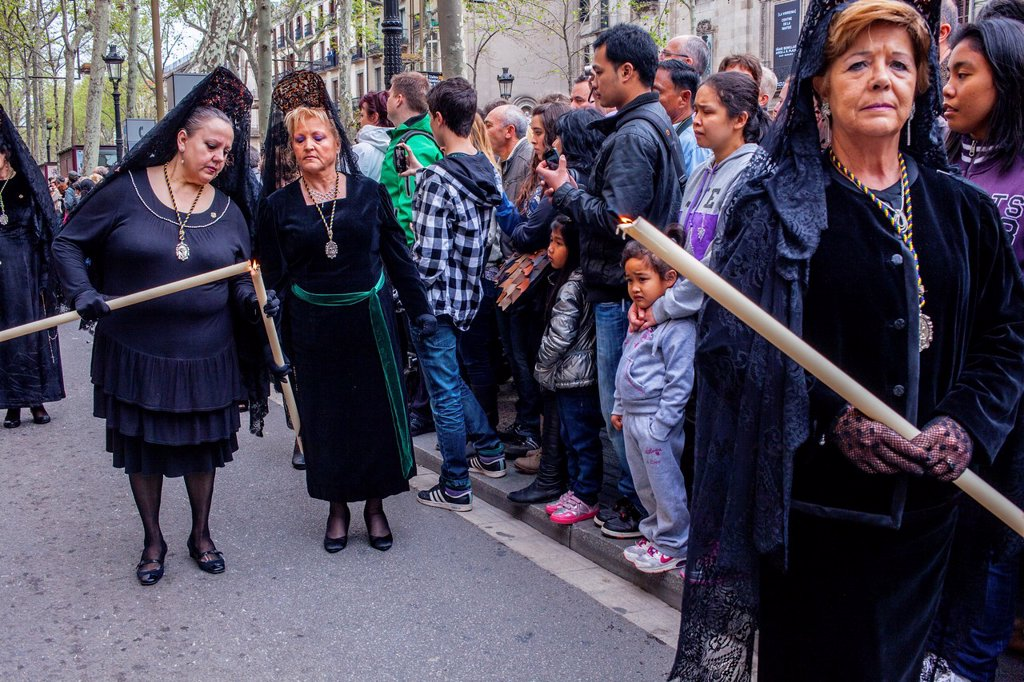 Stock Photo: 1566-991546 'Mantillas' in procession, sisterhood of Jesus del Gran Poder y virgen de la Macarena, Good Friday, Easter week, La Rambla, Barcelona, Catalonia, Spain