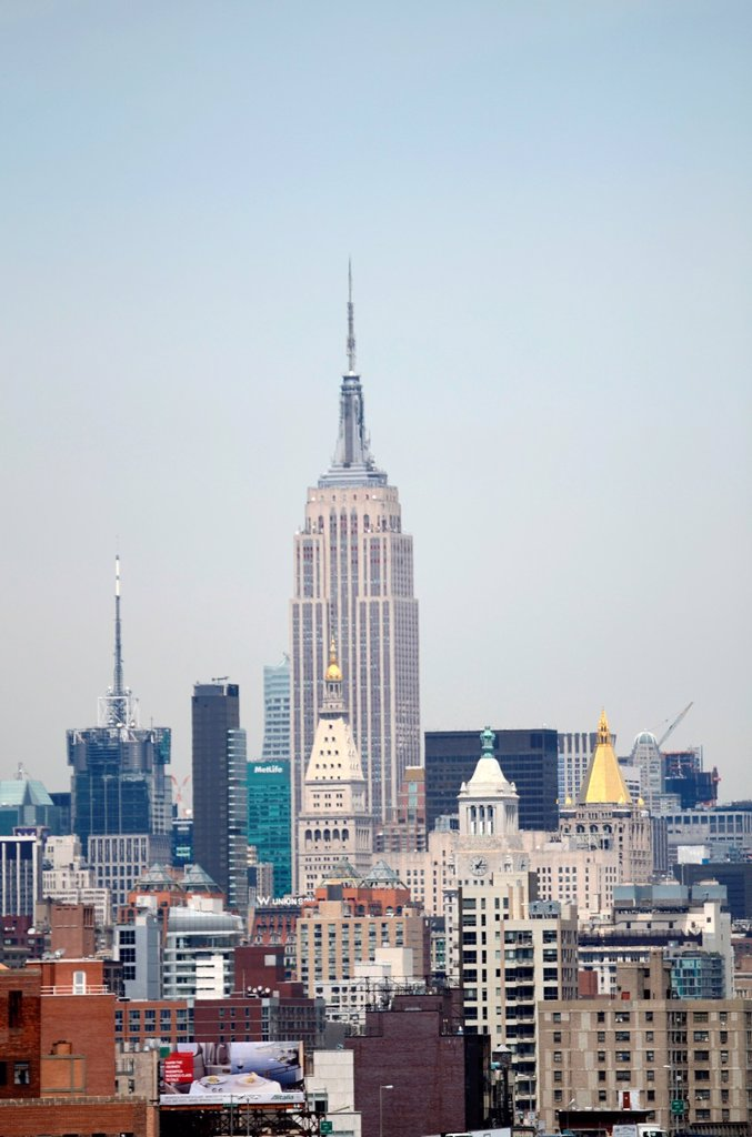 Stock Photo: 1566-991855 Skyline with Empire State Building, New York