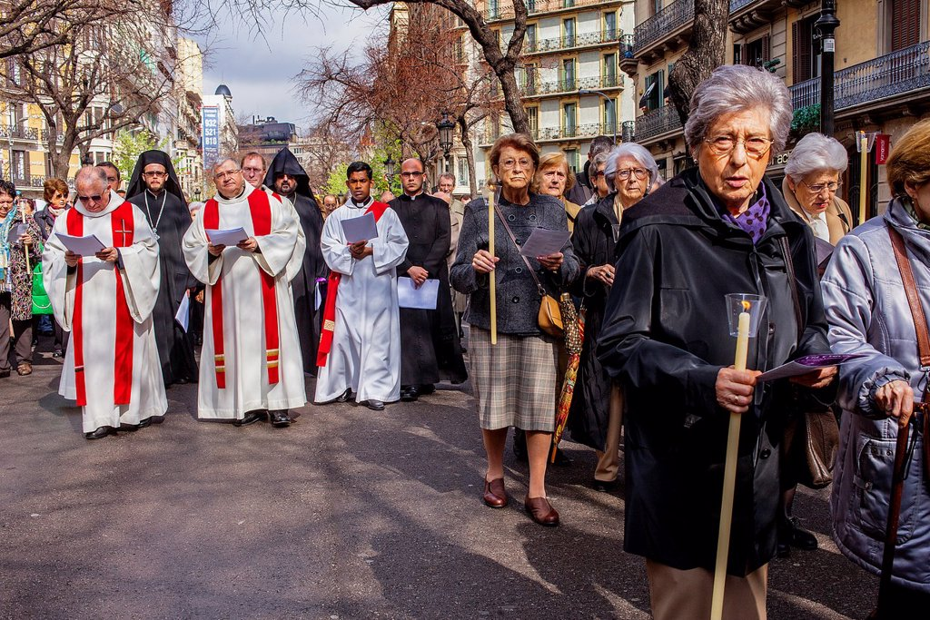 Stock Photo: 1566-992072 Representation, Way of the Cross, Good Friday, Easter week, from church of Sant Ramon de Penyafort to church of la Mare de Deu dels Angels, Rambla Catalunya, Barcelona, Catalonia, Spain